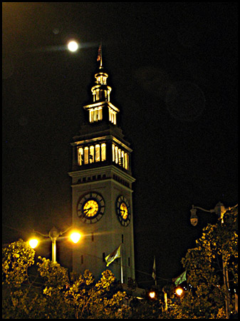 Night photo of San Francisco Ferry Building