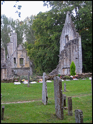 Photo of gravestones, Minster Lovell Hall, Cotswolds, UK